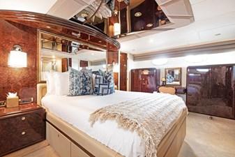 BELLA GIORNATA 14 BELLA GIORNATA 94' Lazzara 2000/2018 Flybridge Motor Yacht: Master Stateroom