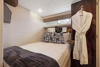 BELLA GIORNATA 19 BELLA GIORNATA 94' Lazzara 2000/2018 Flybridge Motor Yacht: Guest Stateroom