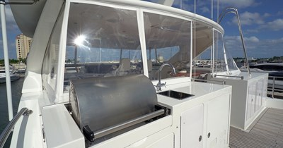 Upper Deck Grill and Sink