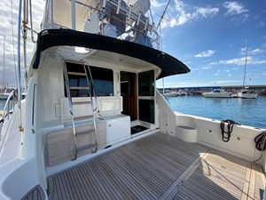 Riviera 47 Fly Yacht For Sale40