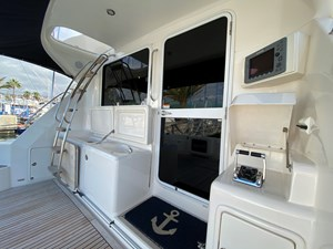 Riviera 47 Fly Yacht For Sale45