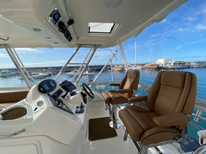 Riviera 47 Fly Yacht For Sale55