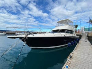 Riviera 47 Fly Yacht For Sale2