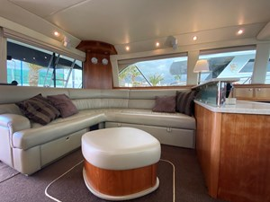 Riviera 47 Fly Yacht For Sale62