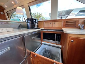 Riviera 47 Fly Yacht For Sale65