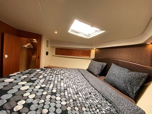 Riviera 47 Fly Yacht For Sale29