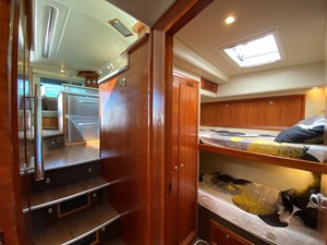 Riviera 47 Fly Yacht For Sale30