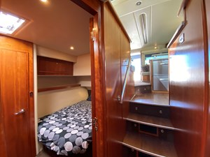Riviera 47 Fly Yacht For Sale31