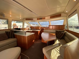 Riviera 47 Fly Yacht For Sale32