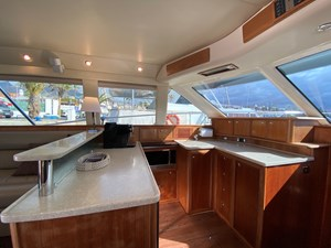 Riviera 47 Fly Yacht For Sale33