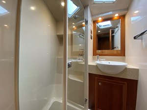 Riviera 47 Fly Yacht For Sale5
