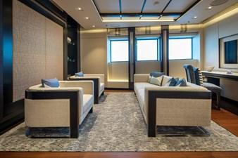 ILLUSION PLUS 22 Guest Lounge