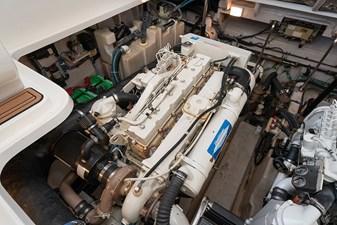 WAKE PERMIT 34 Engine 1