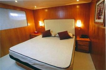 GIAVA 7 GIAVA 2001 CNT CASTAGNOLA Castagnola 30 Motor Yacht Yacht MLS #261538 7