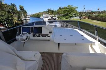 68-2017-Prestige-Motoryacht-27