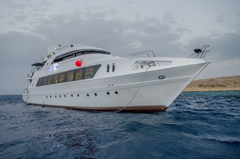 HHI 3 HHI 2015 CUSTOM  Motor Yacht Yacht MLS #261724 3