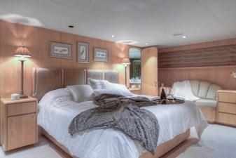 Master bedroom 2-2