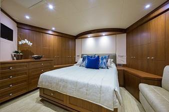 Wiggle Room_Forward Stateroom1