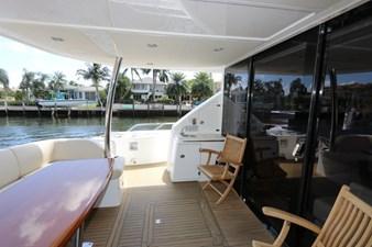 75-2015-Sunseeker-Yacht-05