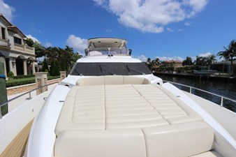 75-2015-Sunseeker-Yacht-07