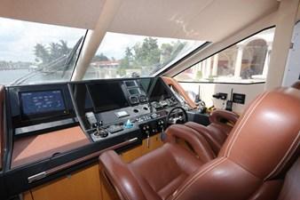 75-2015-Sunseeker-Yacht-22