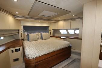75-2015-Sunseeker-Yacht-38
