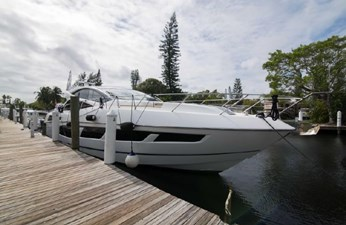 81_2018 68ft Sunseeker Predator
