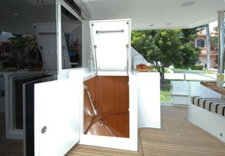 Aft deck access hatch to engine room
