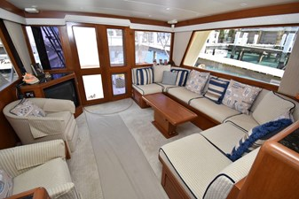 Six C One II 2 62-2000-Offshore-Yachts-Pilot-House-02