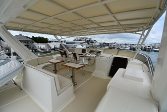 Six C One II 5 62-2000-Offshore-Yachts-Pilot-House-05