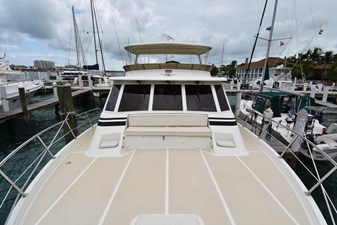 Six C One II 9 62-2000-Offshore-Yachts-Pilot-House-09