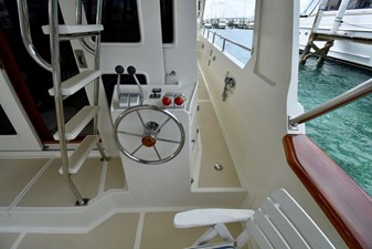 Six C One II 24 62-2000-Offshore-Yachts-Pilot-House-24