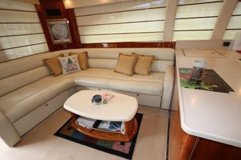 58-2004-Riviera-Enclosed-Flybridge-06