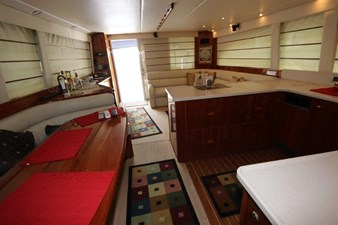 58-2004-Riviera-Enclosed-Flybridge-11