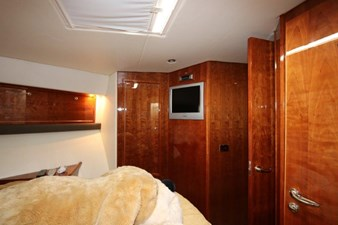 58-2004-Riviera-Enclosed-Flybridge-14