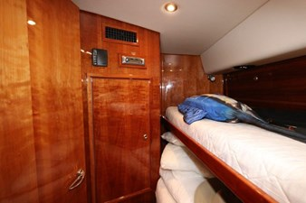 58-2004-Riviera-Enclosed-Flybridge-17