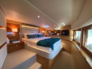 CAT CAY 8 Owner's Stateroom