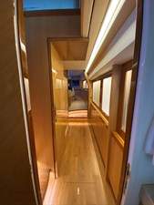 CAT CAY 7 Passage to Owner's Stateroom