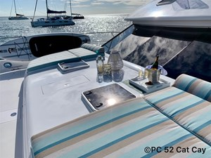 CAT CAY 17 Foredeck with Cushions