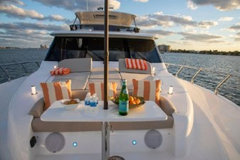 Foredeck Entertainment Area with Stereo and Pop-up Lighting