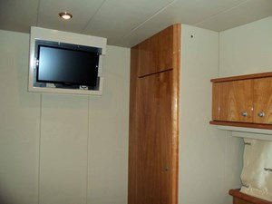 Starboard Side Cabin Looking Forward
