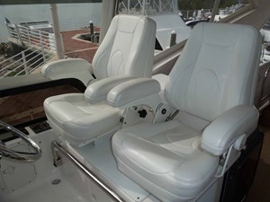 FAMILY TRADITION 48 Helm Seats