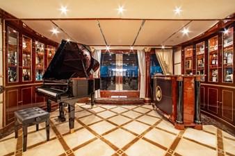 AQUARIUM 4 Main Salon