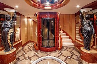 AQUARIUM 6 Main Foyer - Elevator