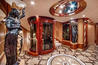 AQUARIUM 7 Main Foyer - Elevator