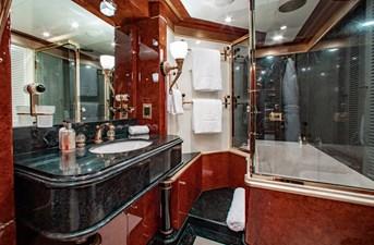 AQUARIUM 13 Guest Bath