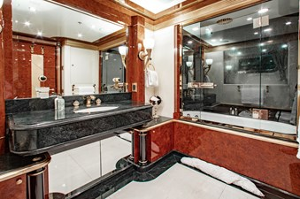 AQUARIUM 15 Guest Bath
