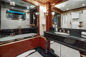 AQUARIUM 17 Guest Bath