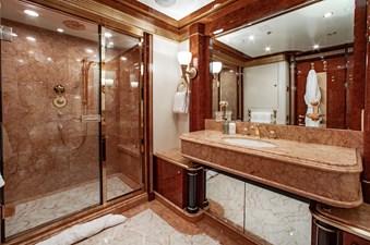 AQUARIUM 20 Guest Bath
