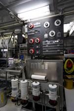 2011 85 Burger - Engine Room (6)